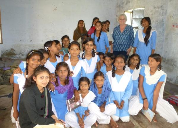 Volunteer Alison Gee with pupils in India