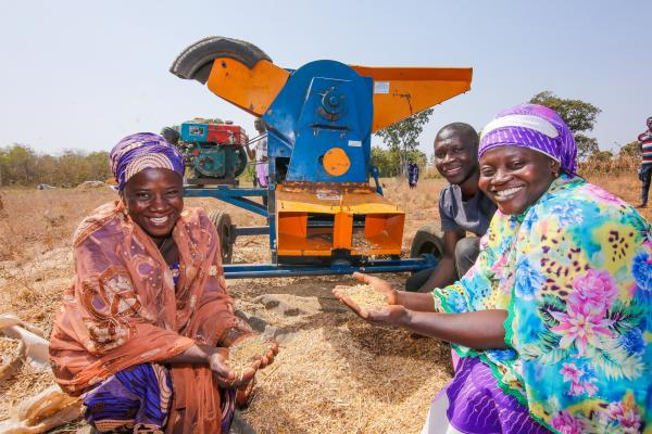 Women farmers with a VSO volunteer in Nigeria